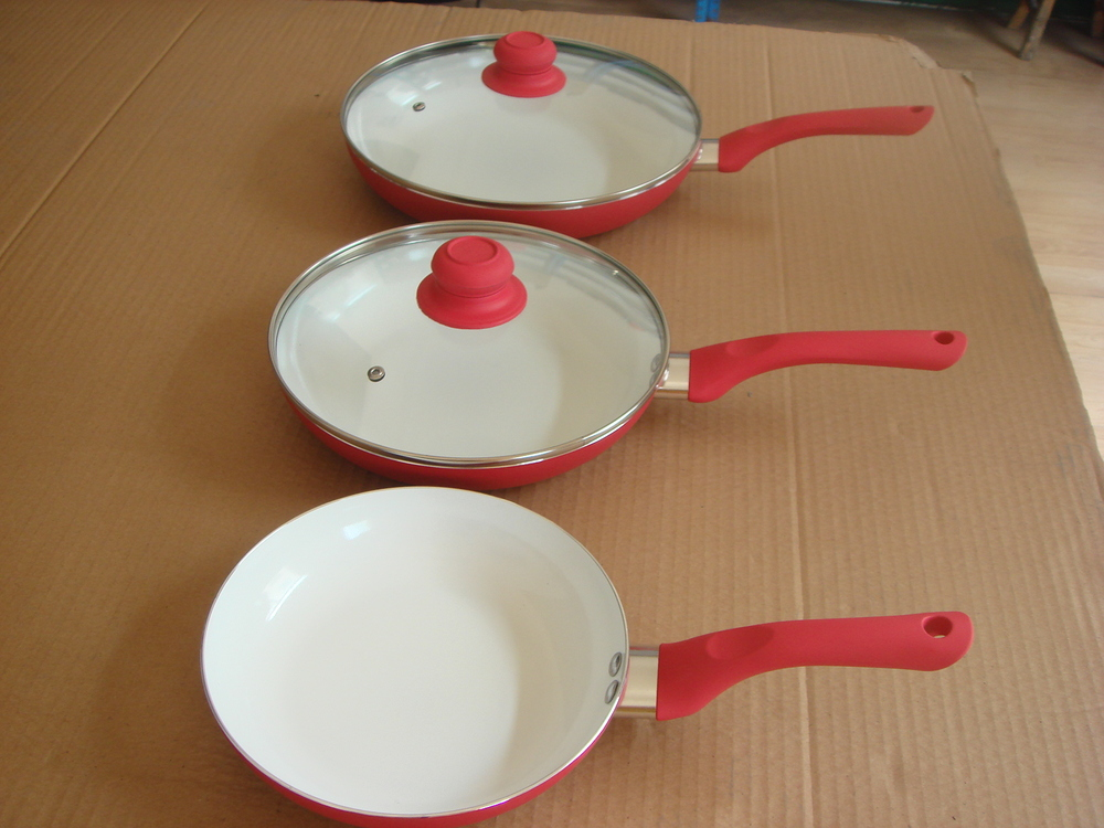 ceramic frying pan with glass lid