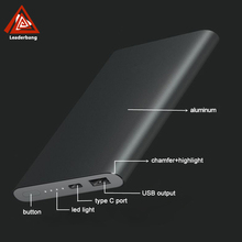 Gift item dropshipping super slim credit card power bank 8000mah outdoor spare parts for all mobile phones and type c phone