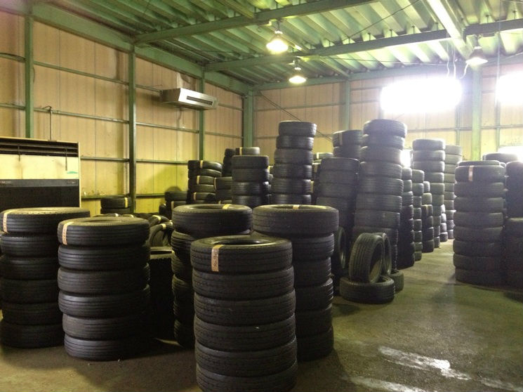 Japanese excellent condition used truck tires export with many stocks