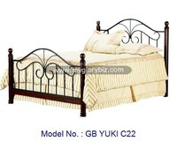 Good Quality Home Bed Made In Metal And Wood With Antique Designs Furniture In Classic Appearance