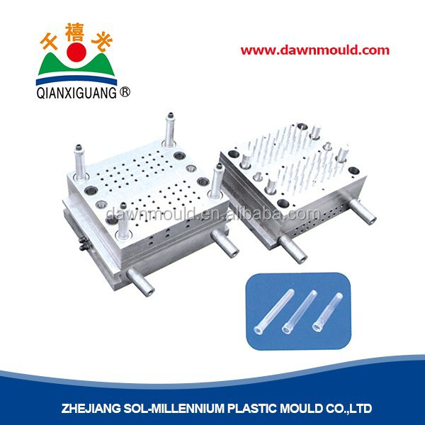 Medical syringe injection mould