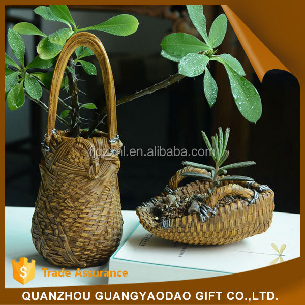 Miniature gift souvenir resin craft bamboo basket garden decoration