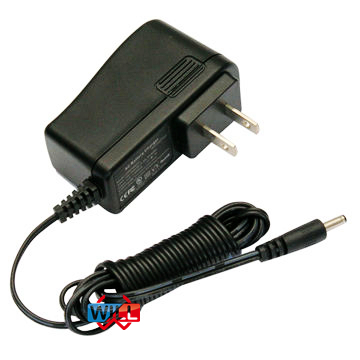 Switching US standard 15V AC power adapter for shaver