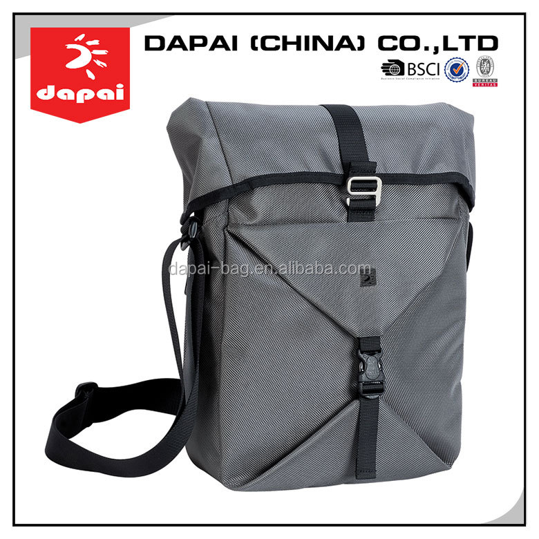 hot sale fashionable waterproof messenger shoulder strap school bag