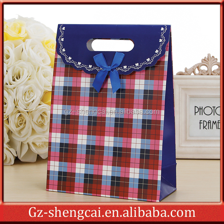 promotional design customized fancy part paper wholesale gift bags China cheap market free design