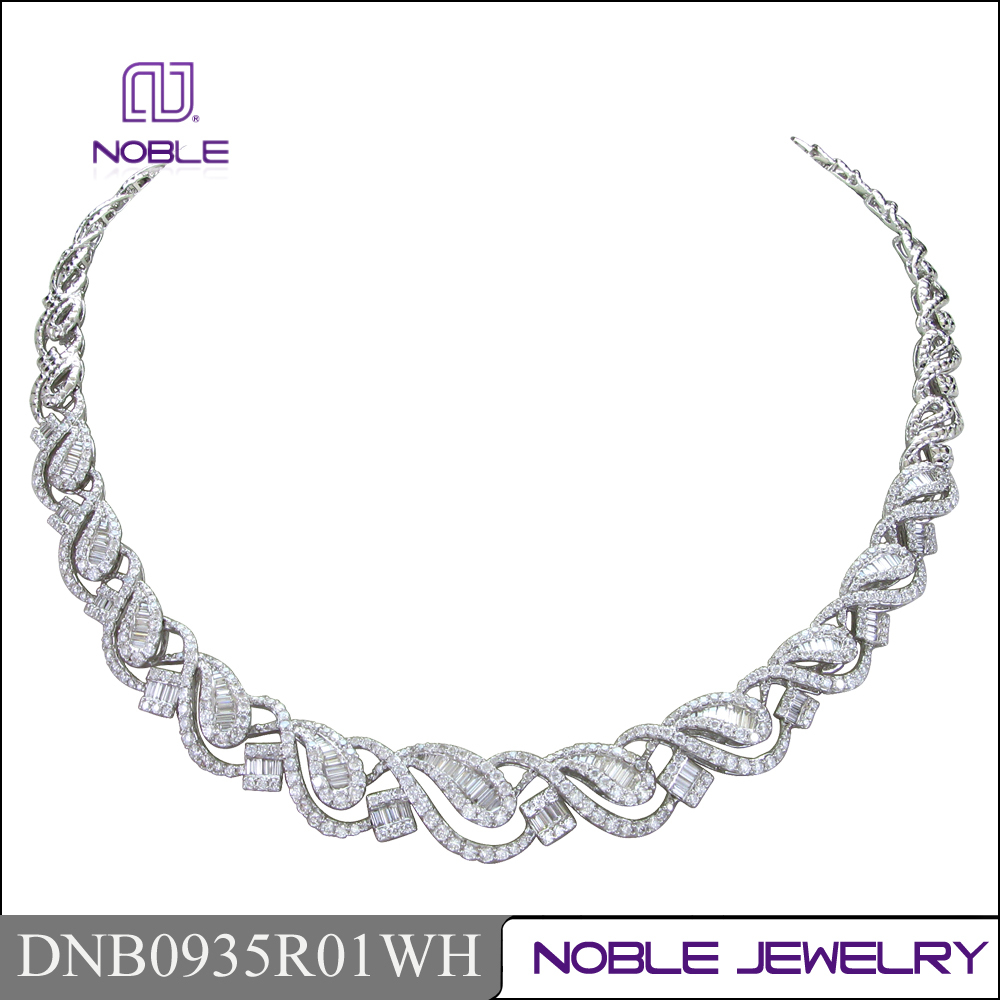 Noble jewelry 18K white gold diamond necklace