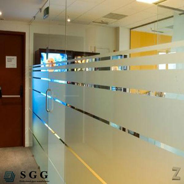 Mampara de vidrio esmerilado 10mm para la oficina cristal for Herrajes para mamparas de cristal