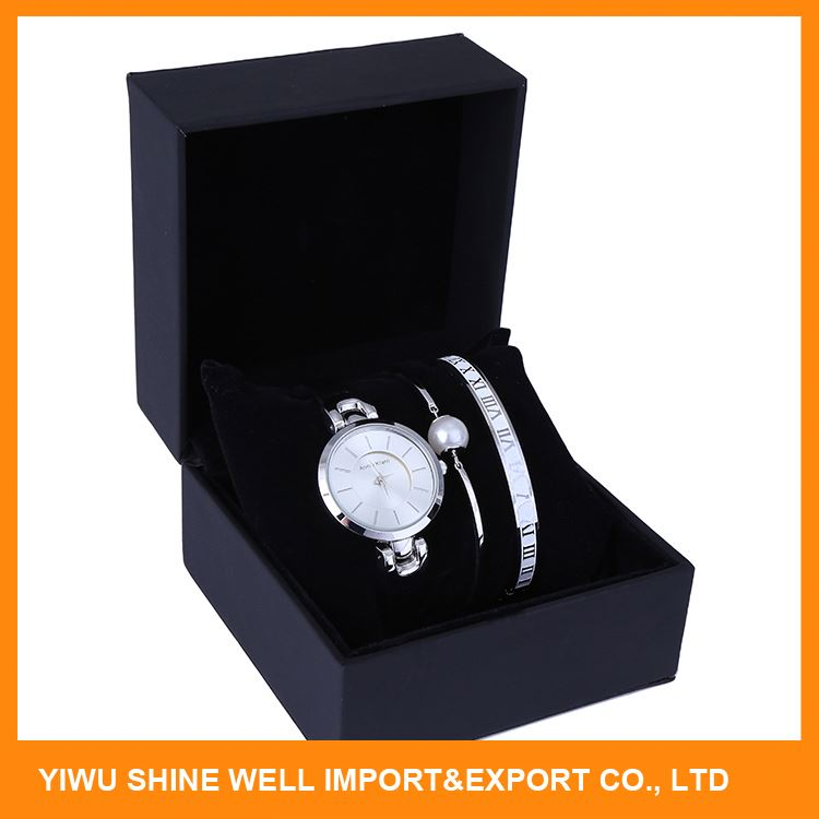 Latest product OEM quality zinc alloy women pu wrist watch for wholesale