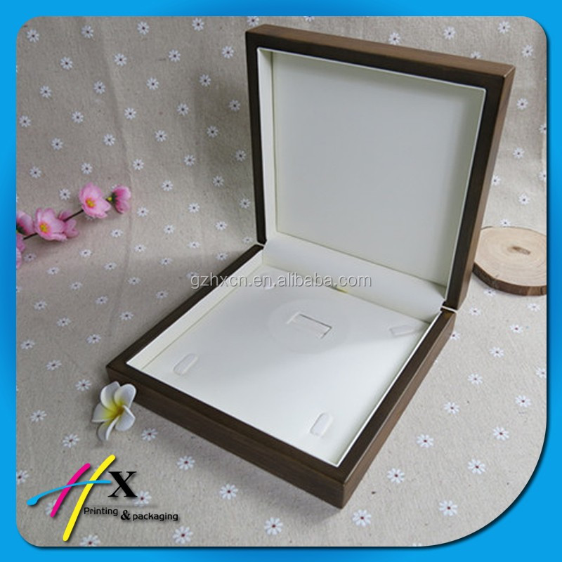 Luxury new tyle jewelry box packaging custom necklace display wooden box