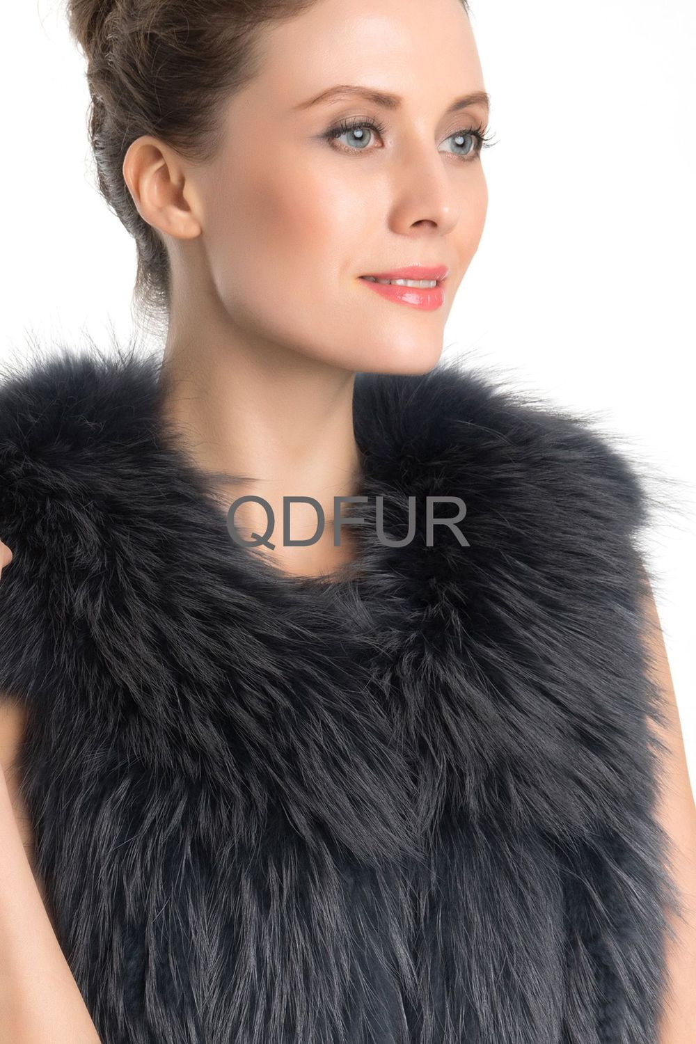 QD70726 Women Winter Genuine Natural Striped Raccoon Dog Fur Vest 2Colors