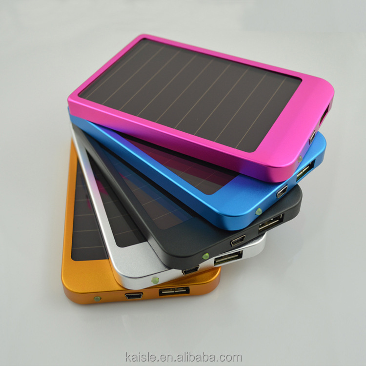 Ultra thin slim 2600mah silicon portable solar power bank for mobile phone/iphone/ipad cheap price solar power bank
