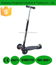 Three wheel black sinski scooter 2 wheels in front height ajustable HDL-717B