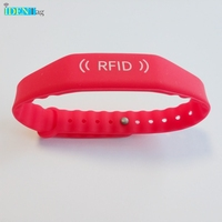 WB1019 Cheap Price Popular Adjustable 1356mhz Silicone RFID Wristband Tag