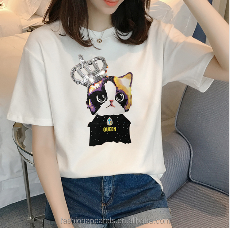 lovely cat pattern in the t shirt for girl
