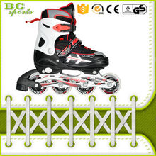 <span class=keywords><strong>quattro</strong></span> <span class=keywords><strong>ruote</strong></span> freestyle roller skate scarpe per adulti