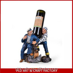 Two Funny Guy Hold the Wine Bottle/Funny Wine Holder