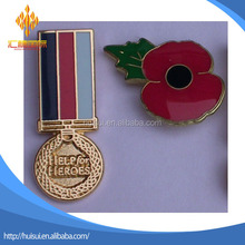 100 years Remembrance Day the First World War red poppy pin badge