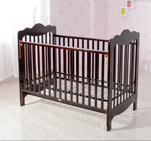 wooden baby crib with lock /simple baby crib/solid wood baby crib
