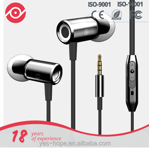 Fashion design magnetic bulkle wired earphone with RoHS Free Sample