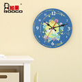 ROOGO wholesale resin cheap new design handmade modern little prince home ornament circular woodblock wall hanging clock