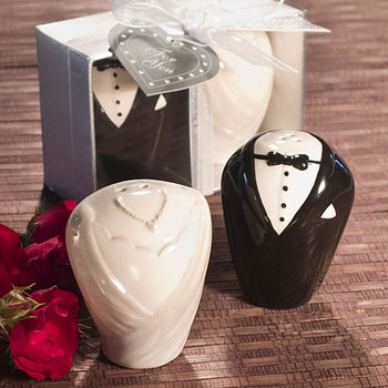 Wholesale Yiwu Joy Gifts Bride and Groom Salt and Pepper Shakers Wedding Door Gift
