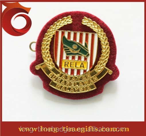 2014 hign quality custom metal military cap badge