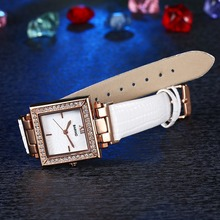 Vintage woman Quartz watches with leather straps, cutom wristwatches