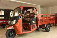 2017 high quality factory adult 250cc water cooled three wheel motorcycle Removable Cabin 1000kg Tuk Tuk In Venezuela