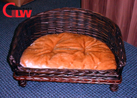 Beautiful willow wicker sofa bed luxury pet dog beds basket with cushion and legs wholesale