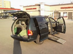 1999 Dodge Grand Caravan, Activan Ricon Minivan, Wheelchair Van