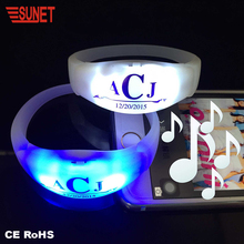 2018 SUNJET Christmas Wholesale Party Supplies Low Cost Glow In The Dark Remote Control Vibrating Led Bracelet Wireless