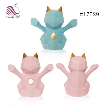 Suanti Top Selling Minimalist Europe Style Geometric Solid Pink Color Polyresin Chinese Fortune Cat
