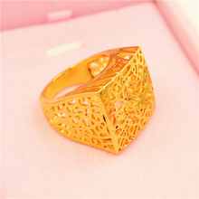 2018 The latest men's hollow pattern carved new design copper gold ring