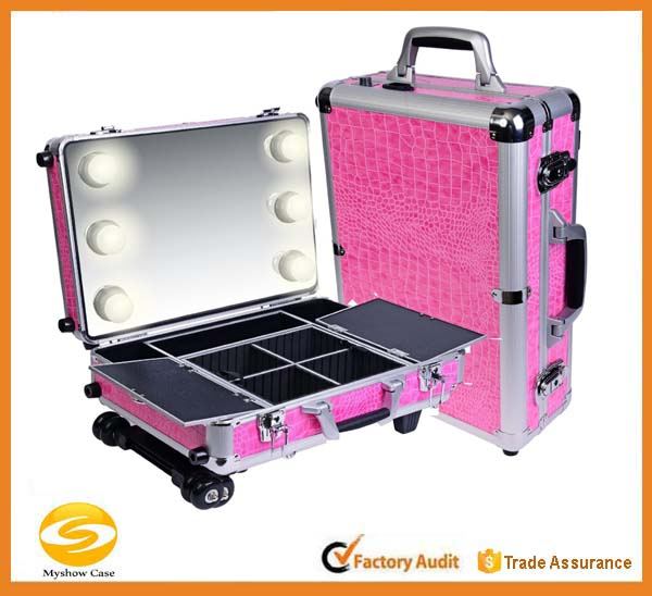 Pink Cosmetics Mini Studio Makeup Case, Aluminum rolling cosmetic case with light