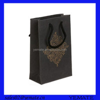 Custom printing glossy black paper shopping bags with gold logo in square bottom
