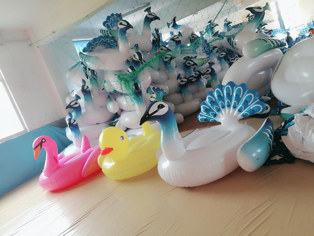 Custom Popular Design PVC Giant Swan Duck Peacock Inflatable Animal Pools Float