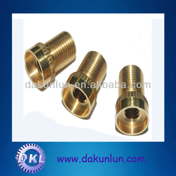 Brass thread connector