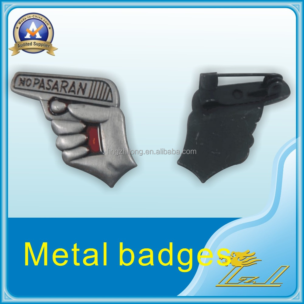 2016 super quality custom factory direct sale gun shaped badges
