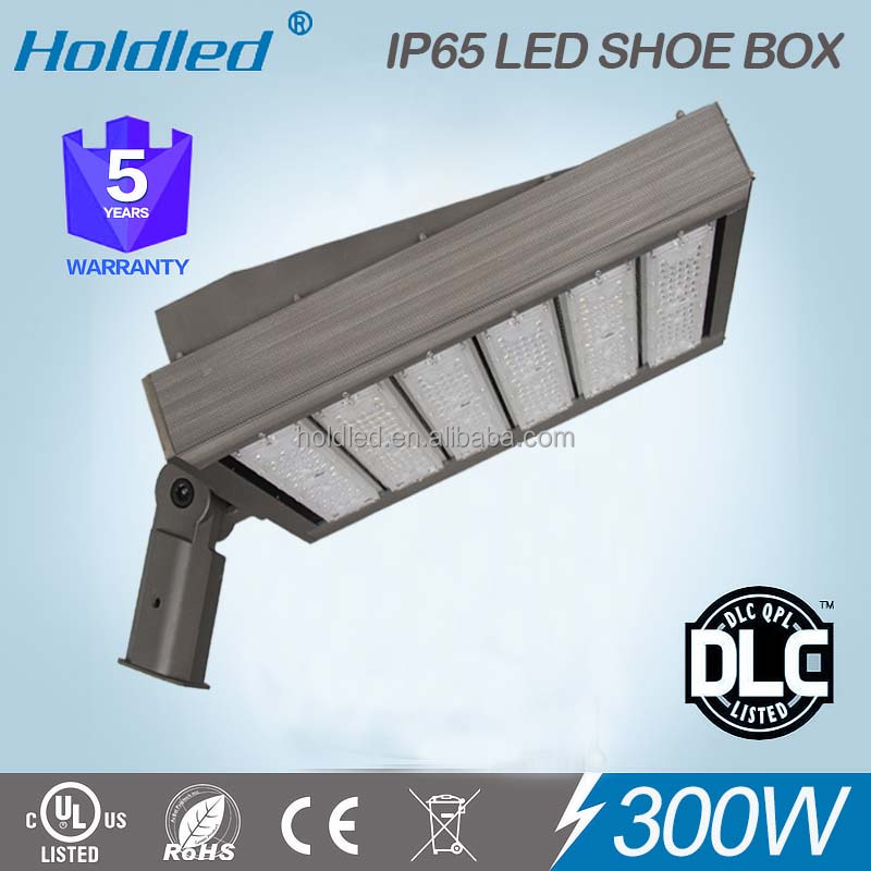 Leading DLC UL list 300w LED Countryard lighting led parking lot light for tennis court light ensure 5 years warranty