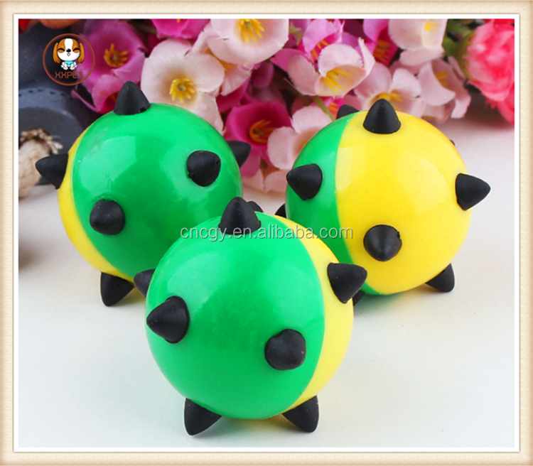 2015 New Pet products Plastic cat toy satellite ball and cat play to have sound pet cat products