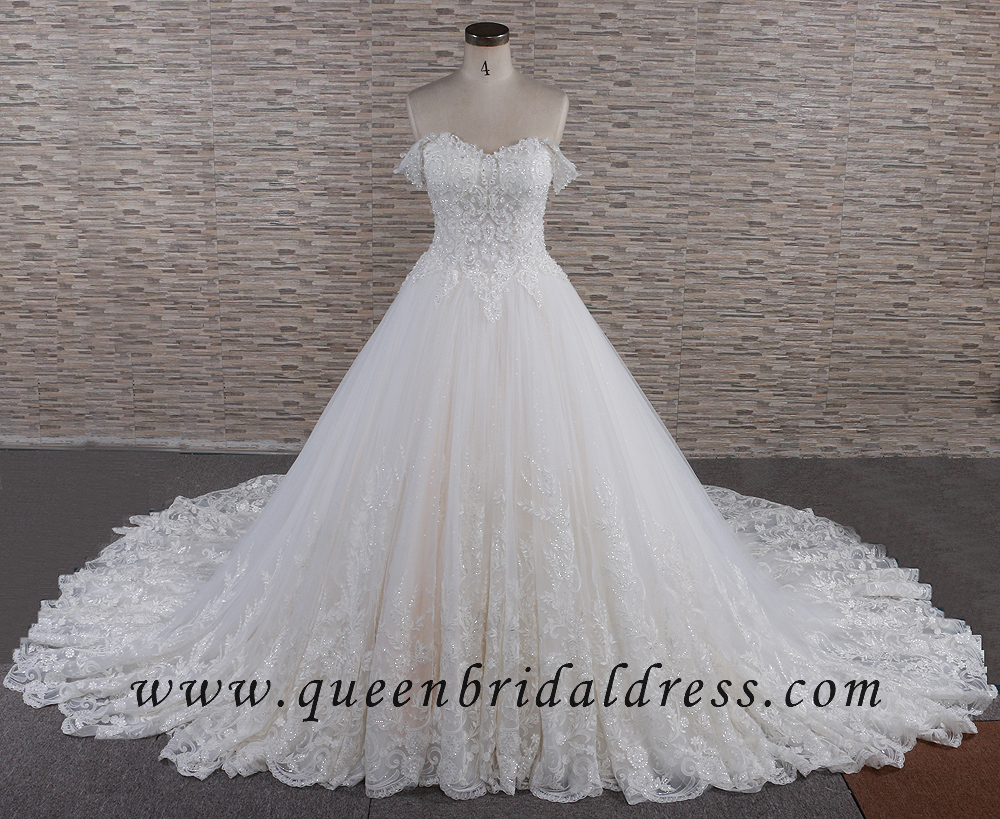 Luxurious Off shoulder Appliques Lace Long Train Wedding Dresses