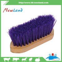 2016 NL1320 Horse body plastic brush with sharp head style