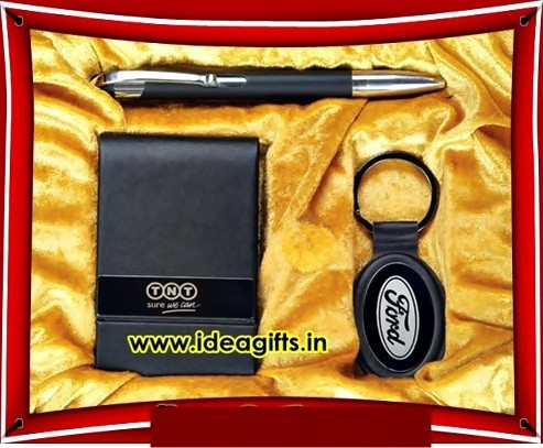 Leather Corporate Gifts Sets of Wallets Pens Belts Keychains for Promotional Giveaways.