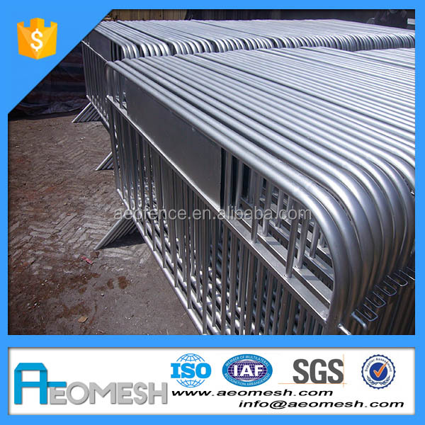 Easy install construction hoarding fence / driveway barrier / road barricade