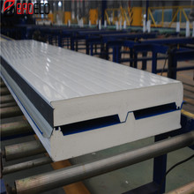 Green building material heat resistant pu sandwich roof panel