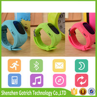Professional fashional kids gps tracker kid smart mobile phone made in China