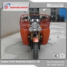 wholesale China merchandise 150cc bajaj covered cargo tricycle