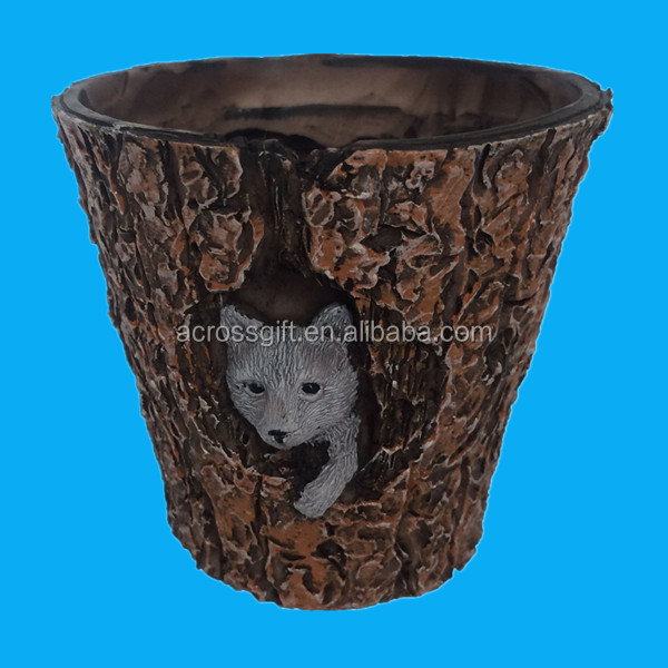 3.5 inch height Rustic Style Forest Animal Enchanted Story Garden Decorative Resin Flower Pot Planter - Wolf Terrarium and fairy