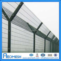 Manufacturer of low price Prison Barbed Wire Fence Boundary security fence railway mesh fence