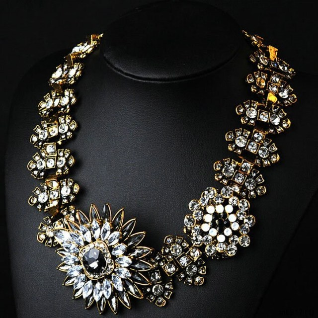 Latest Design Fashion Jewelry Gold Plated Diamond Crystal Flowers And Plants Pendant Necklace Jewelry Wholesale